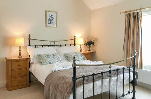 Last Minute Cottages - Quaint Pickering Cottage S15355