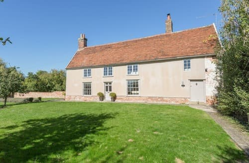 Last Minute Cottages - Inviting Ipswich Cottage S122617