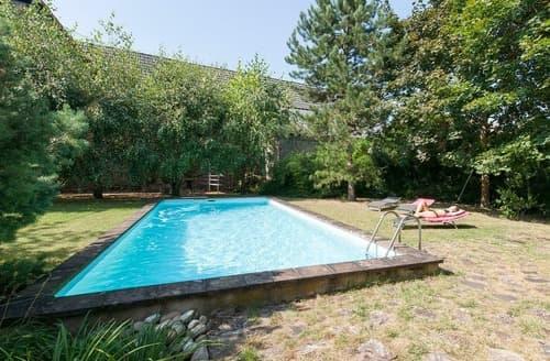 Last Minute Cottages - Dans les Arbres - Gite L'Alcove - 2197
