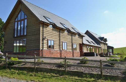 Big Cottages - Delightful Newtown Cottage S21438