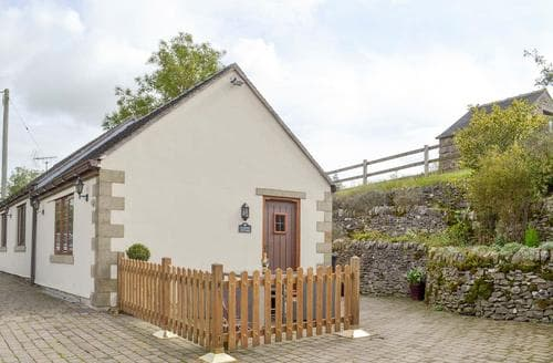 Last Minute Cottages - Railway Cottage