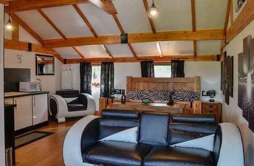 Last Minute Cottages - Swallow Cottage - UKC3427