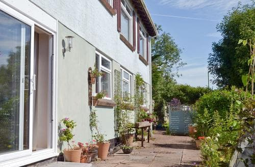 Last Minute Cottages - Inviting Brixham Apartment S50596