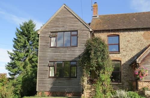 Last Minute Cottages - Tasteful Bridgnorth Cottage S16748
