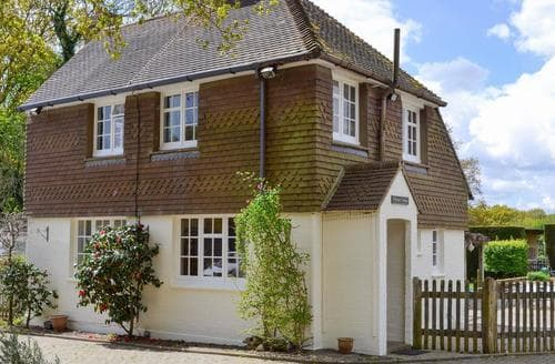 Dog Friendly Cottages - Luxury Battle Cottage S81028