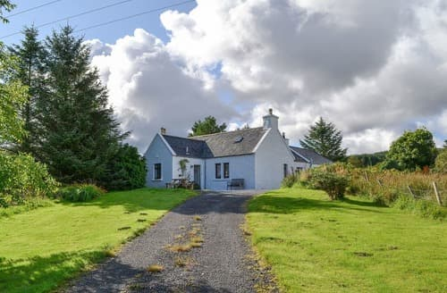 Last Minute Cottages - Delightful Portree Cottage S22502
