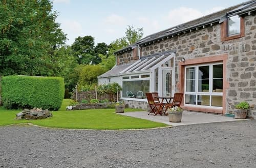 Last Minute Cottages - Rathlin Coach House