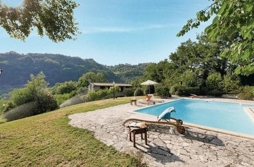 Last Minute Cottages - Villa Paesano