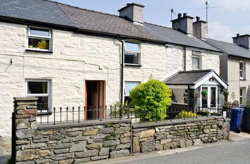 Last Minute Cottages - Afon Cottage