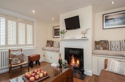 Last Minute Cottages - Gorgeous Aldeburgh Cottage S80375