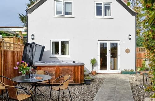 Last Minute Cottages - Lovely Brundall Cottage S87144