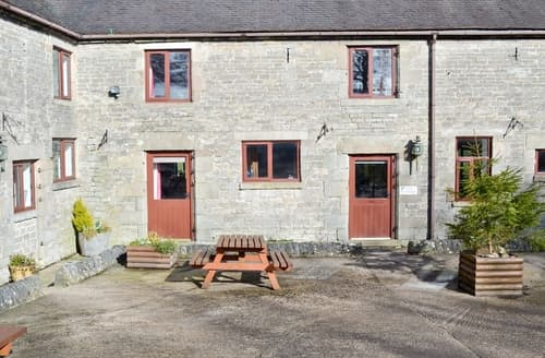 Last Minute Cottages - Pine Cottage - RCHP140