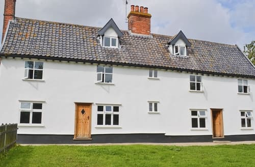 Last Minute Cottages - Park Farmhouse