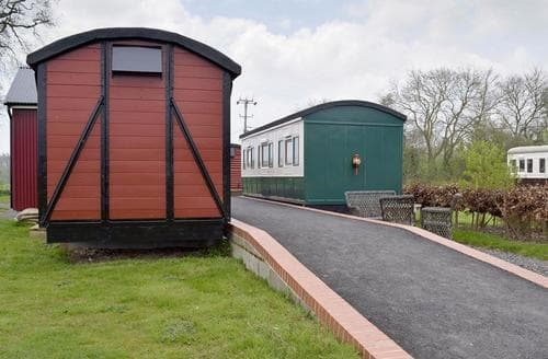 Last Minute Cottages - Wilby Halt-UKC712