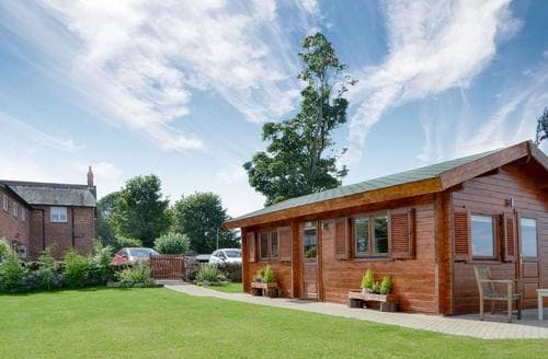 Last Minute Cottages - Buttercup Lodge