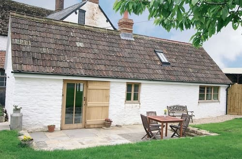 Last Minute Cottages - Wonderful Chippenham Cottage S13691