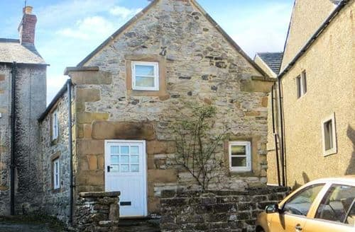 Last Minute Cottages - Lovely Wensley Cottage S39434