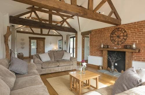 Last Minute Cottages - Summer House Stables