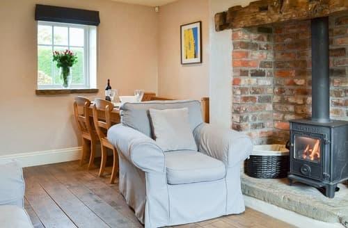Last Minute Cottages - Darling Cottage - UK2602