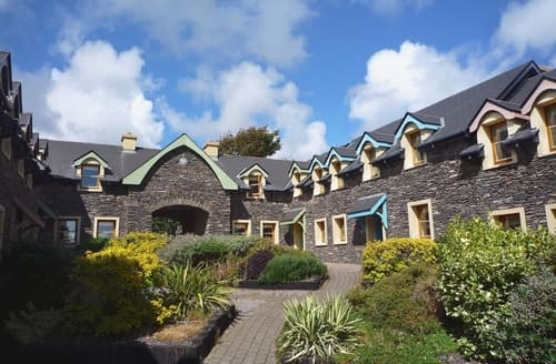 Stupendous Holiday Cottages In Dingle To Rent Last Minute Cottages Download Free Architecture Designs Xaembritishbridgeorg