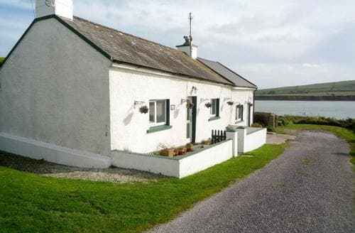 Last Minute Cottages - Beautiful Courtmacsherry Cottage S23879