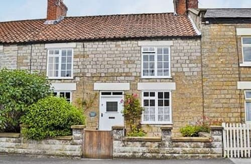 Last Minute Cottages - Cosy Kirkbymoorside Cottage S15245