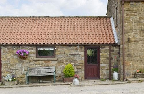 Last Minute Cottages - Luxury Rosedale Abbey Cottage S15391
