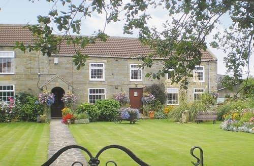 Last Minute Cottages - Cosy Danby Cottage S15037