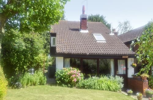 Last Minute Cottages - Splendid Ipswich Cottage S17938