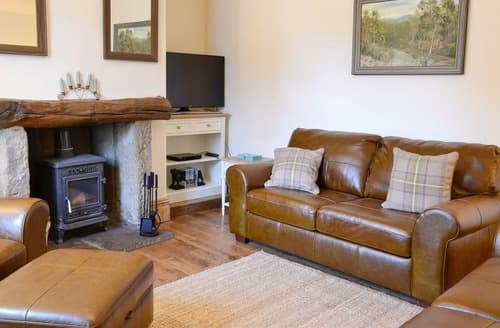 Last Minute Cottages - Churchill House