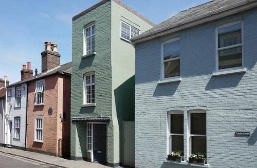 Last Minute Cottages - Wonderful Lymington Cottage S14104
