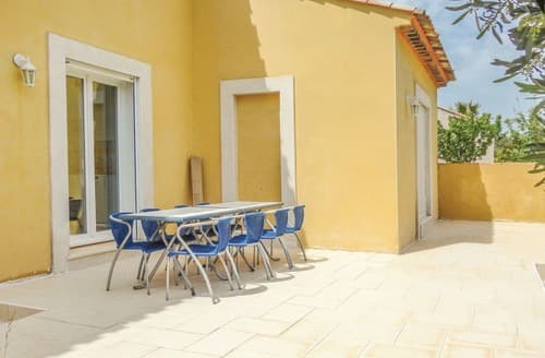 Last Minute Cottages - La Villa Jaune