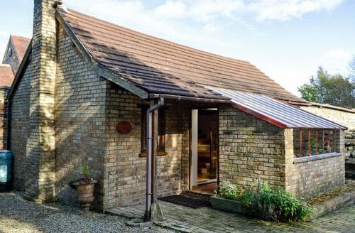 Last Minute Cottages - Cosy Llangollen Cottage S22029