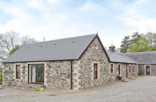 Last Minute Cottages - Tasteful Biggar Cottage S23530