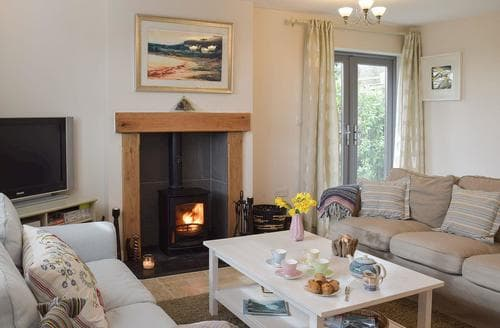 Last Minute Cottages - Windsmoor Cottage on Gower