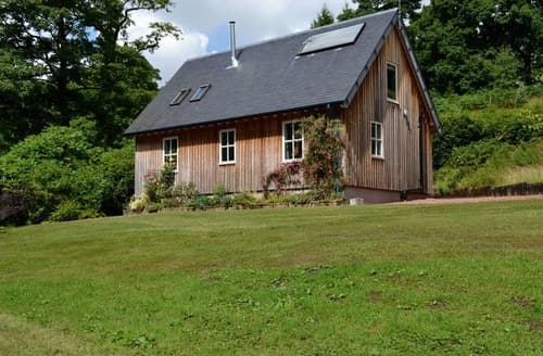 Last Minute Cottages - Attractive Glasgow Cottage S23555