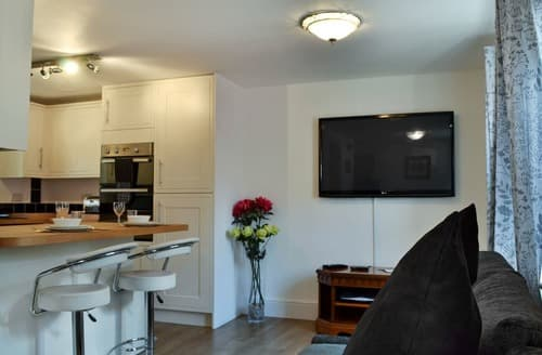 Last Minute Cottages - Exquisite Glossop Apartment S98592