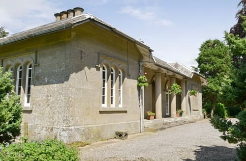 Last Minute Cottages - Inviting Carlisle Lodge S18372