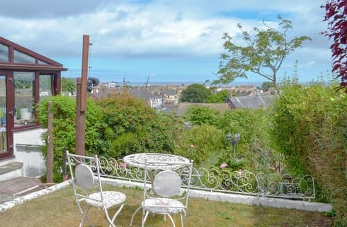 Last Minute Cottages - Orchard Hill House Apartment