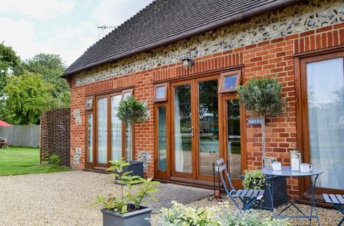 Last Minute Cottages - Excellent Ringwood Cottage S14122