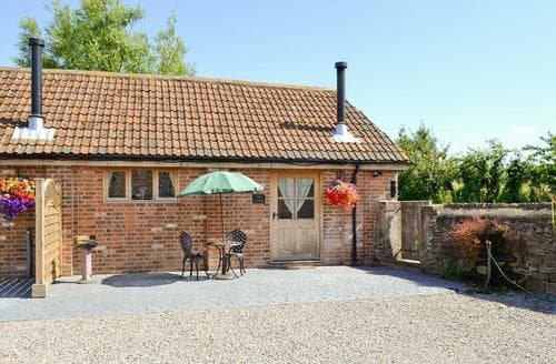 Dog Friendly Cottages - Superb Stroud Cottage S33824