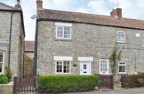 Last Minute Cottages - Lovely Kirkbymoorside Cottage S38640