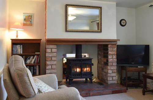 Last Minute Cottages - Ferndale Cottage