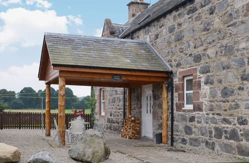 Last Minute Cottages - Gorgeous Beauly Lodge S42008