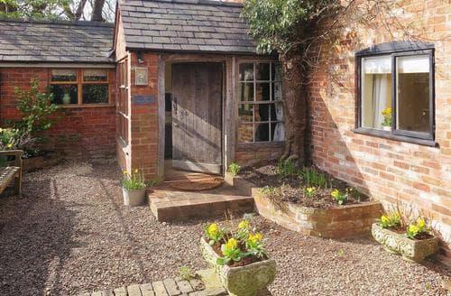 Last Minute Cottages - Exquisite Tenbury Wells Cottage S16382