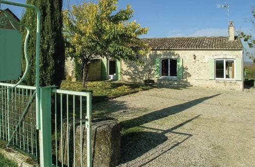 Last Minute Cottages - L'Ancienne Cave