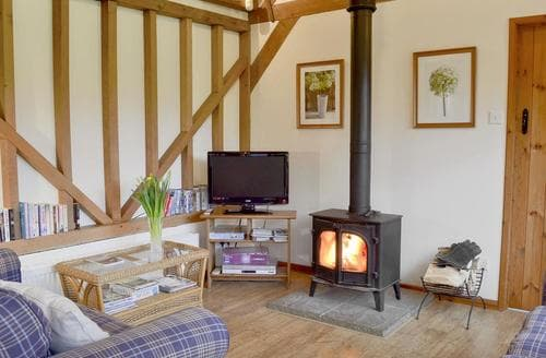 Last Minute Cottages - Rushfields Barn