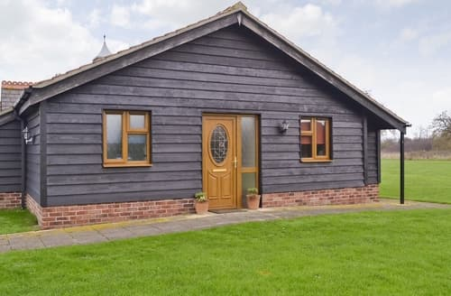Last Minute Cottages - Orchard Cottage