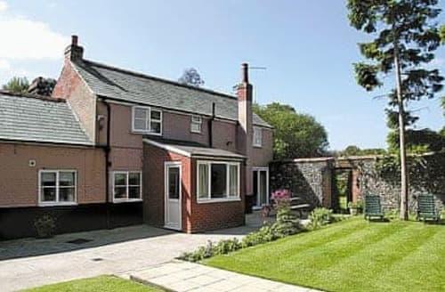 Last Minute Cottages - Luxury Melton Constable Cottage S17524