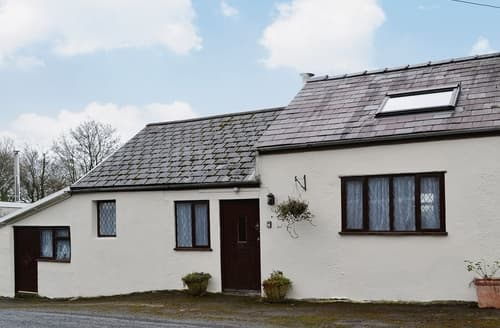 Last Minute Cottages - Gorgeous Llanelli Cottage S25154